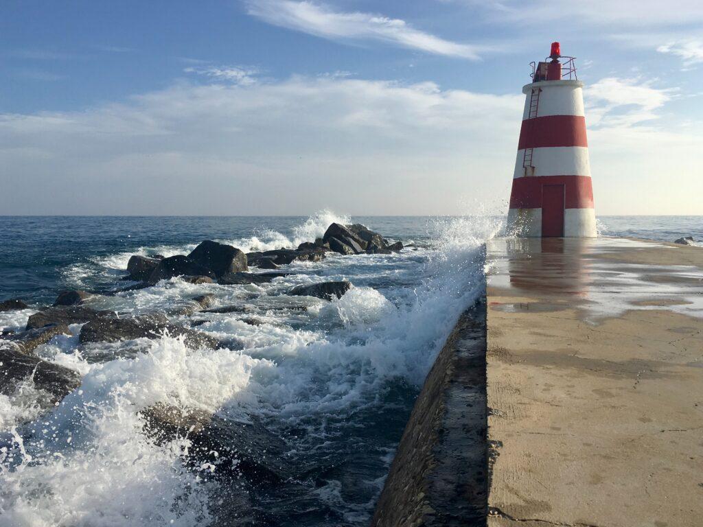 Conséquences du réchauffement climatique sur les structures de protection côtière